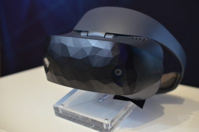 Windows Mixed Reality Headset HC102