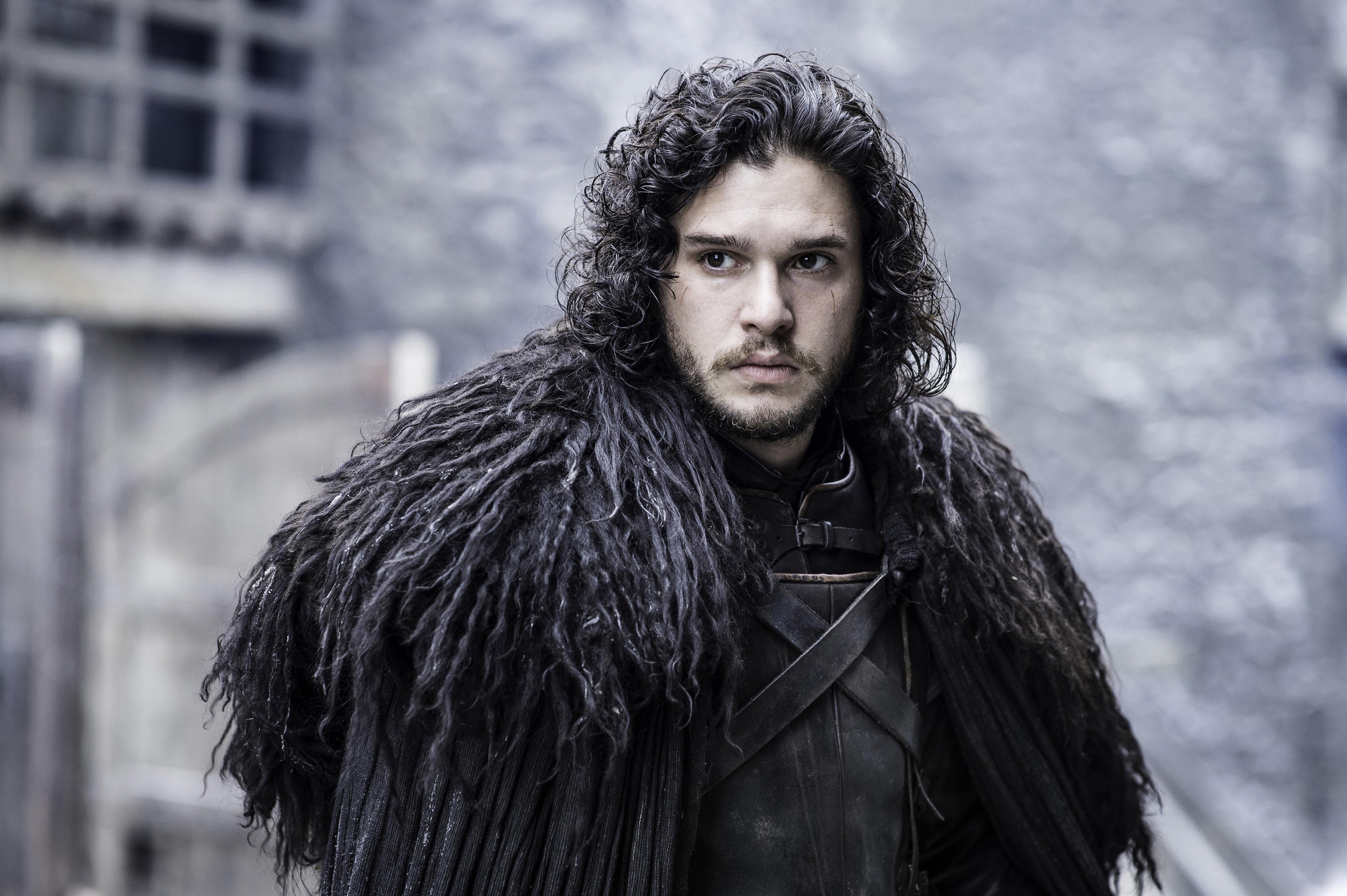 posible-se-haya-revelado-verdadero-nombre-jon-snow-game-of-thrones-frikigamers.com
