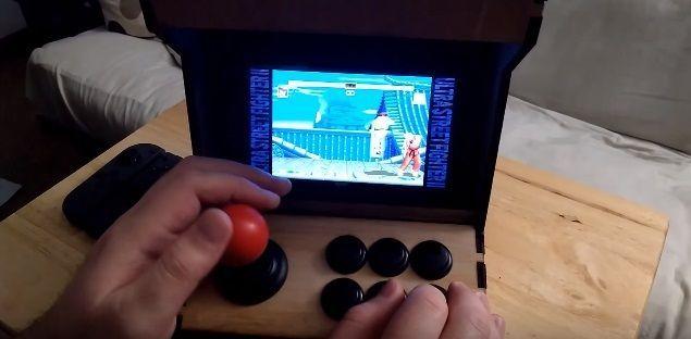 gamer-transforma-una-nintendo-switch-en-una-maquina-arcade-frikigamers.com